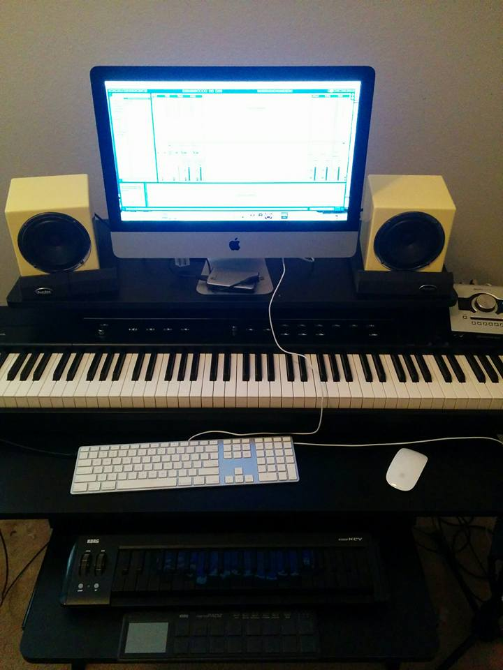 Post pictures of your setup(big or small)-14520544_1618287135138717_642487538730845629_n-jpg
