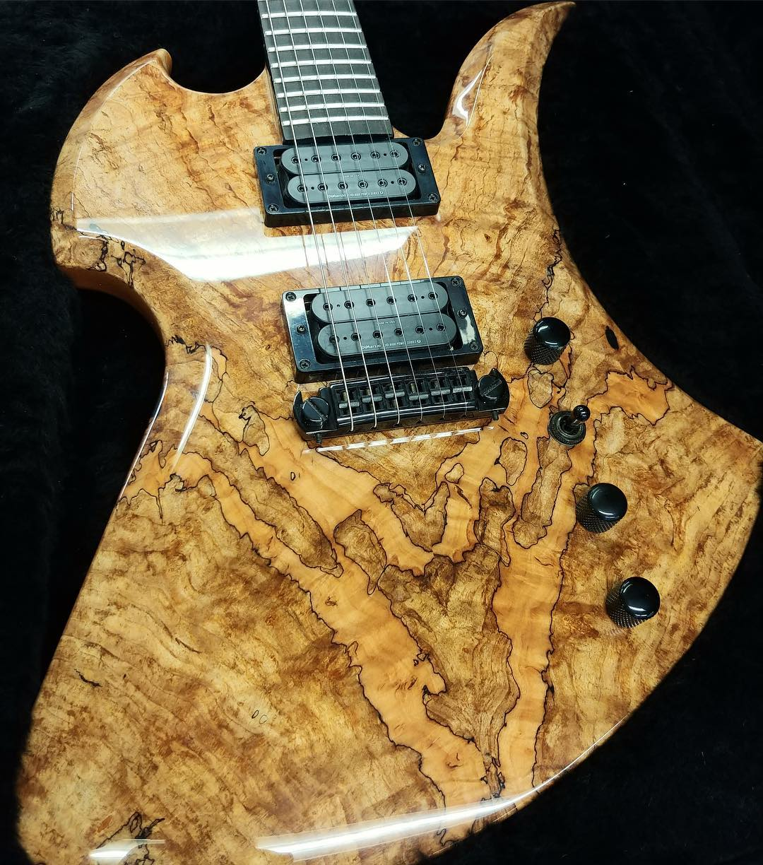 BC Rich actually doing interesting things!-50786139_10156641957686014_7199528681851584512_o-jpg