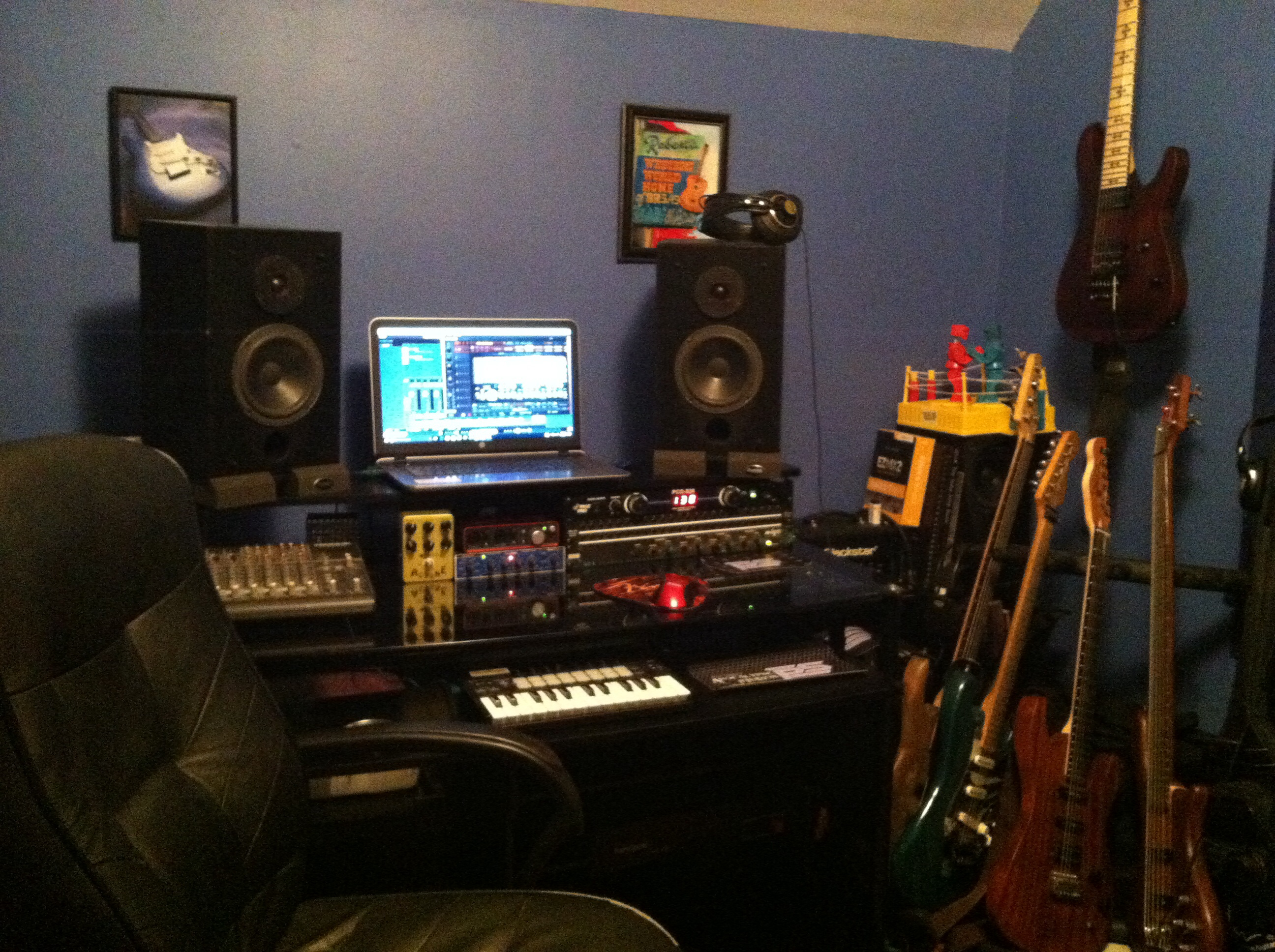 Post pictures of your setup(big or small)-image-jpg